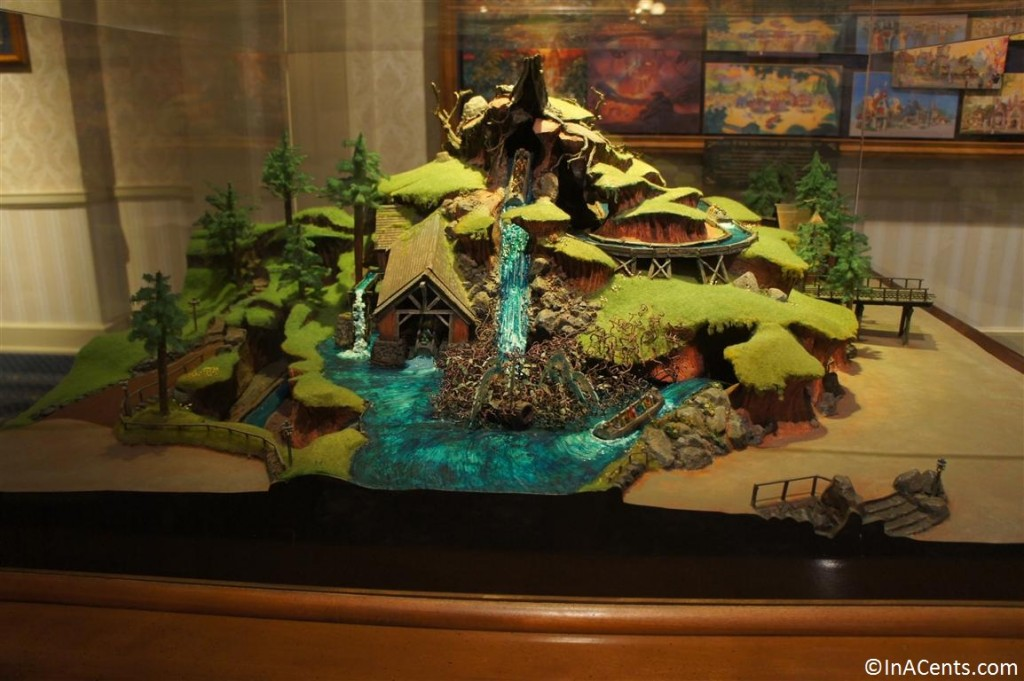 120610 Disney Gallery (Disneyland) Splash Mountain Model 1
