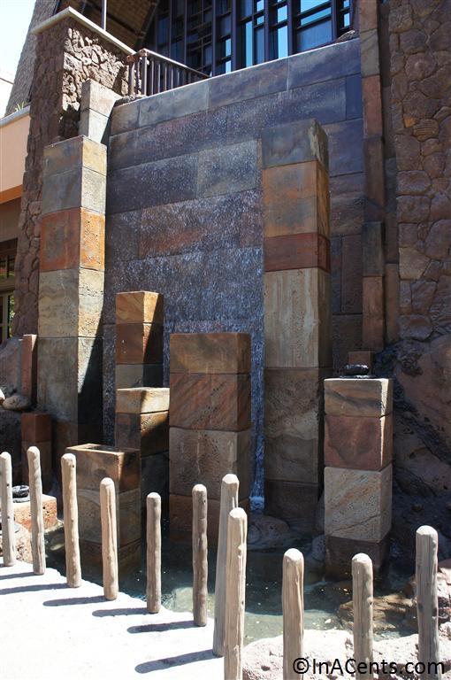 120625 Disney's Aulani Outside Fountain