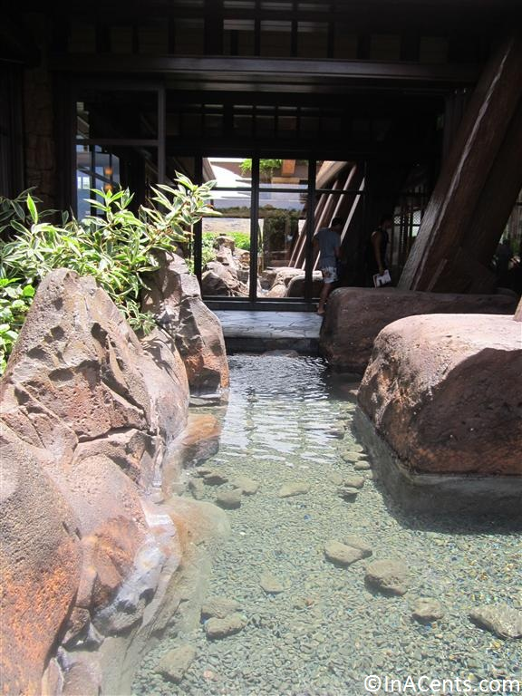 120625 Disney's Aulani Outside Water Feature 1