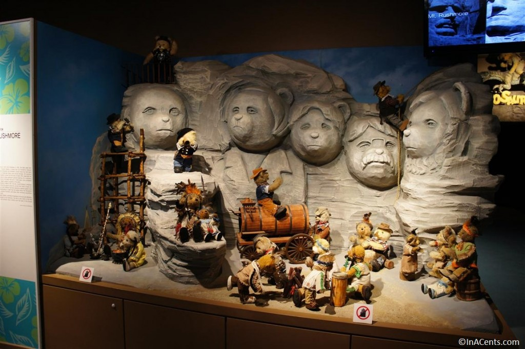 120624 Teddy Bear World Hawaii- Mt. Rushmore