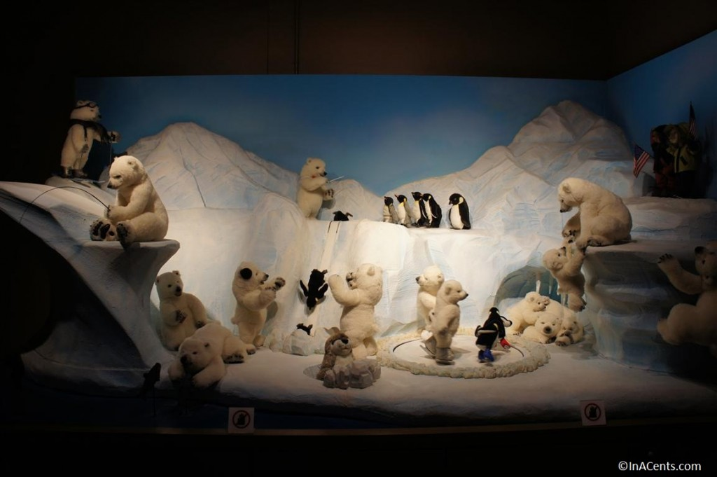 120624 Teddy Bear World Hawaii- North Pole