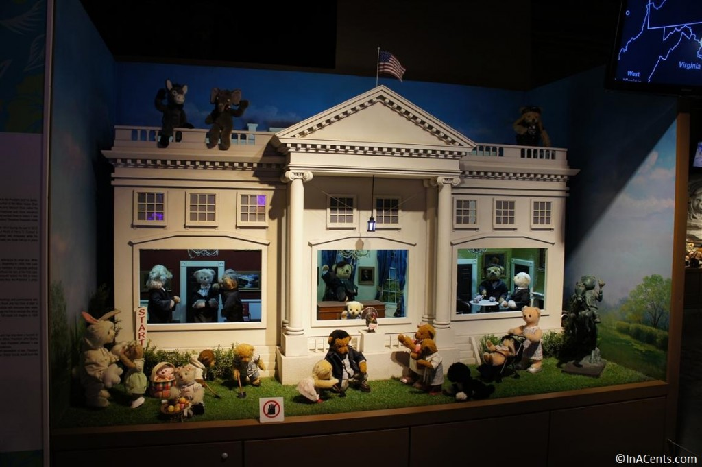120624 Teddy Bear World Hawaii- White House