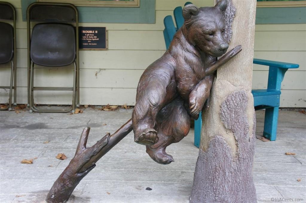 120902 Columbus Zoo Bear Statue
