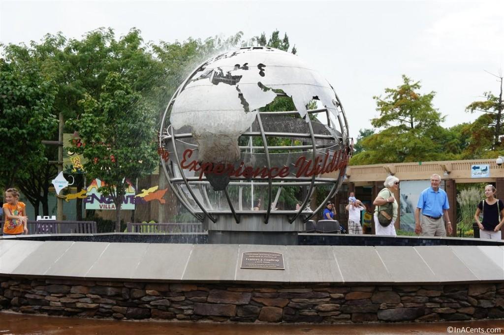120902 Columbus Zoo Globe