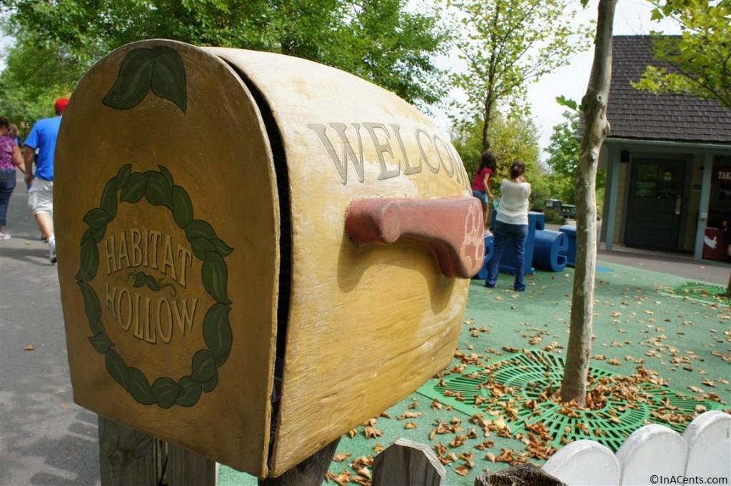 120902 Columbus Zoo Habitat Hollow Mailbox