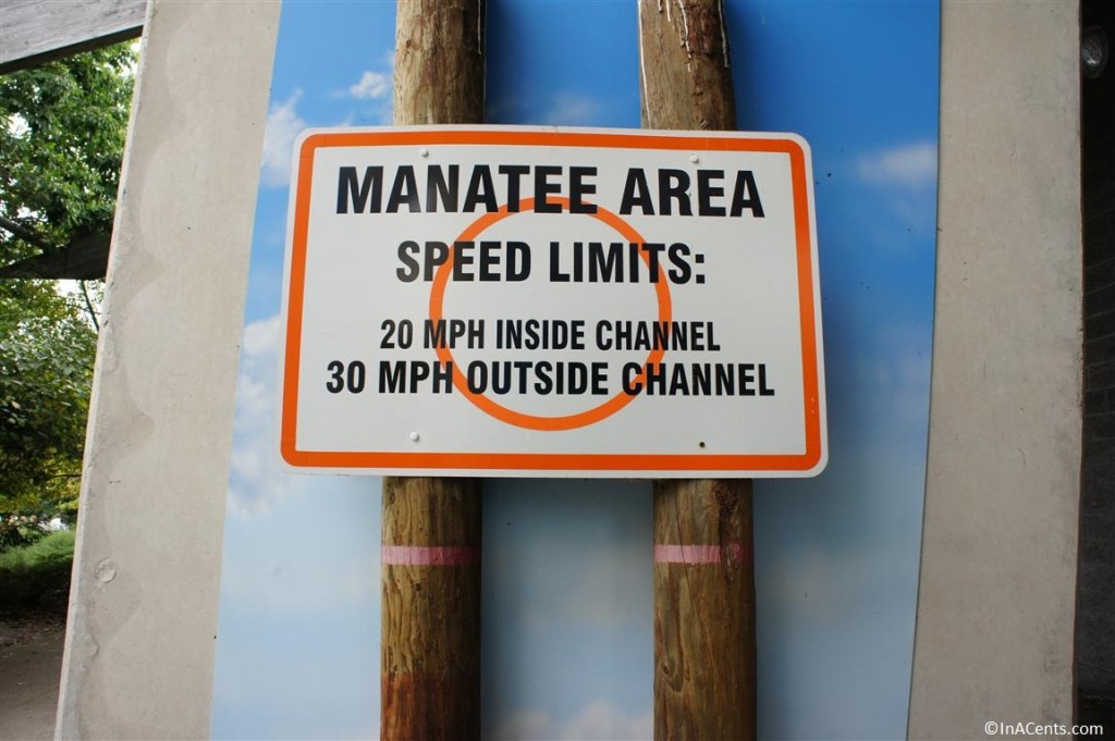 120902 Columbus Zoo Manatee Sign