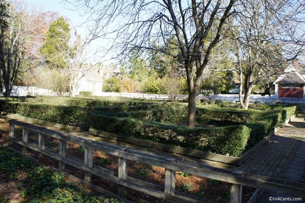 121122 Colonial Williamsburg Boxwood Garden