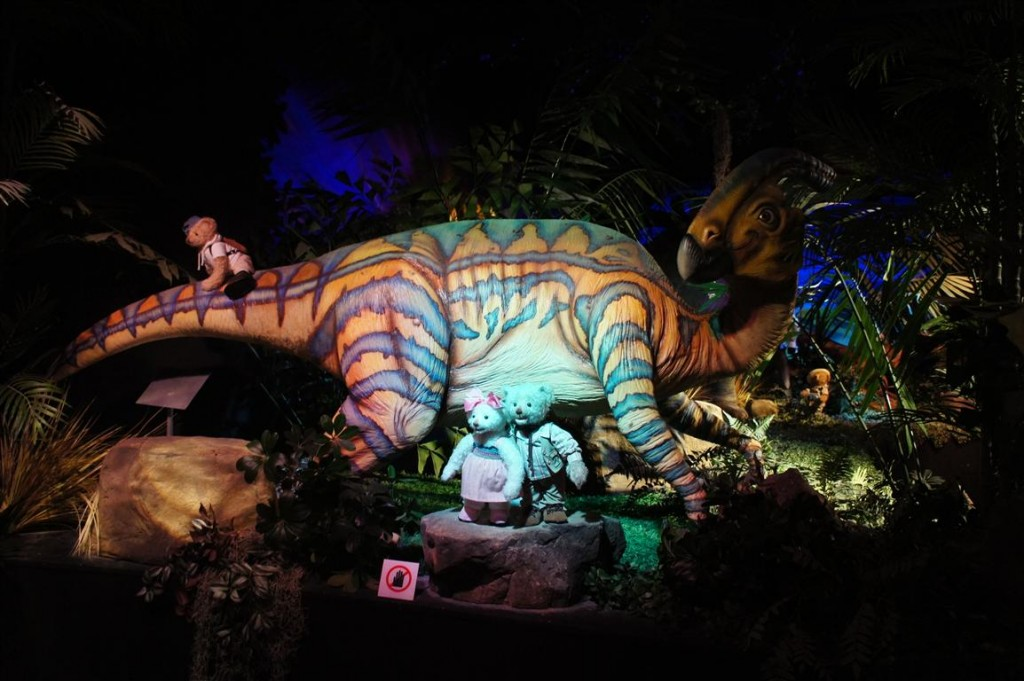 120624 Teddy Bear World Hawaii- Dinosaur Park 8