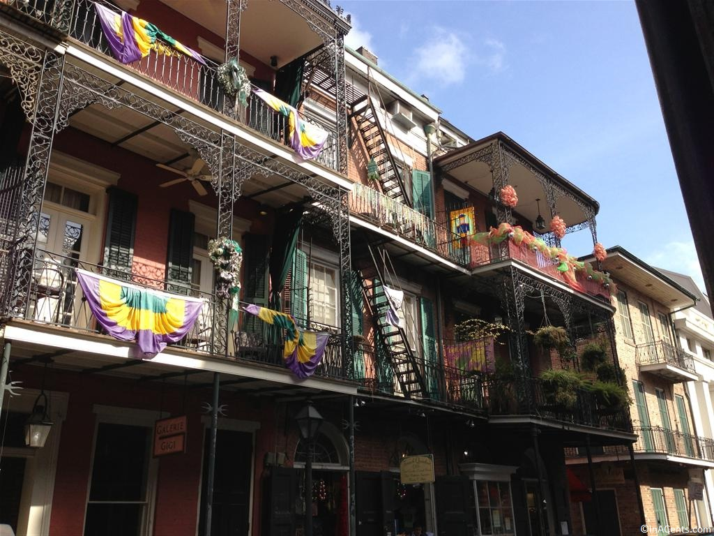 New Orleans- Bourbon street house