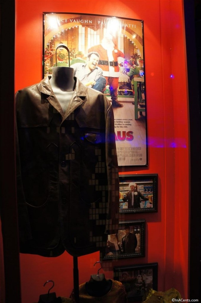 131123 Castle Noel- Fred Claus (2007) Vince Vaughn jacket and elf costumes