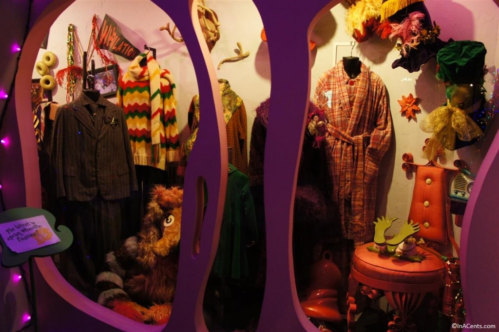 131123 Castle Noel- How the Grinch Stole Christmas (2000) Props and Costumes 4