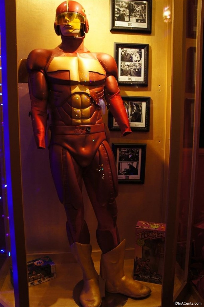 131123 Castle Noel- Jingle All the Way (1996) Turbo Man Costumes 2