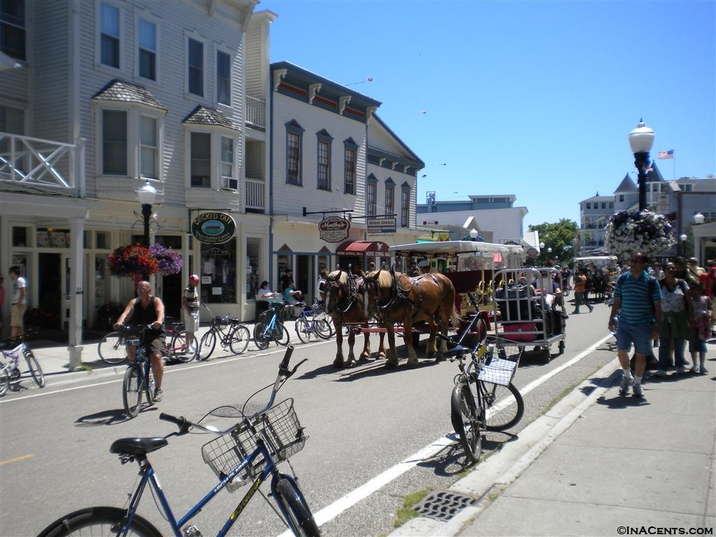 100704 Mackinac Island Downtown