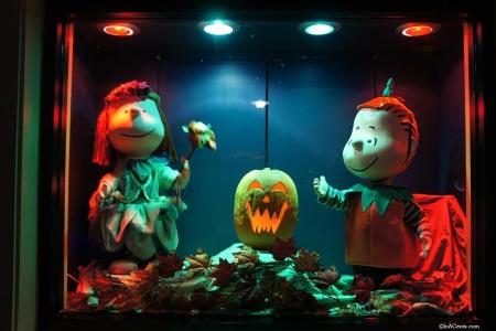 Cedar Point Halloweekends Animated Window...