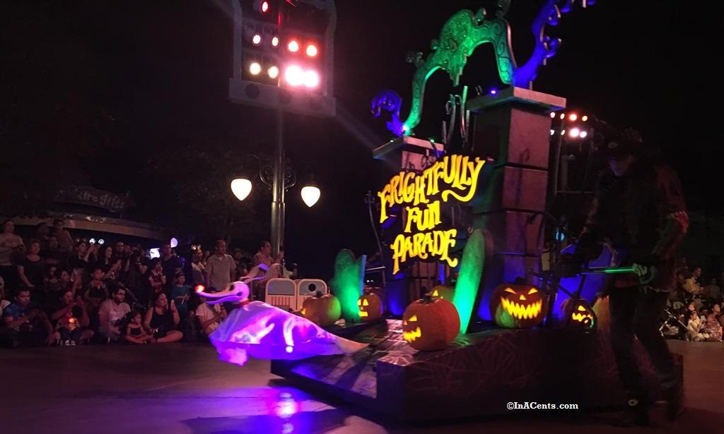 160926-disneyland-halloween-parade